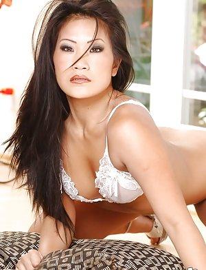 Flexy Asian Pics